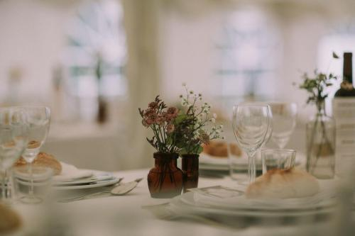Table Flowers -Photo Esme Ducker Photography